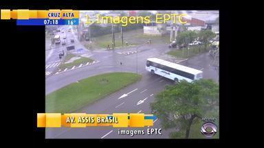 Confira a situação do trânsito na Região Metropolitana de Porto Alegre nesta sexta (9) - Assista ao vídeo.