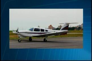 Buscas por avião desaparecido continuam - Aeronave saiu da cidade de Caratinga com destino a Pará de Minas. Avião desapareceu durante a rota.