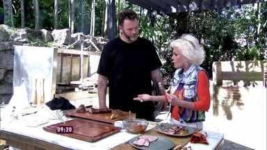 Jimmy faz churrasco usando só a carne de porco, no Mais Você - Ao experimentar alguns pedaços, Ana Maria conta que a carne é uma das mais saborosas