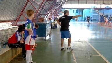 Esporte: Série 'B', Copa da Juventude e Festival Paralímpico - No futebol, vai começar o quadrangular final. No futsal, a história de um técnico vencedor e um jovem talento. E em Dourados, a superação através do esporte