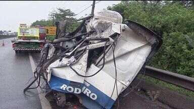 Acidente bloqueia rodovia Anchieta nesta sexta-feira - Via ficou bloqueada por mais de 11 horas