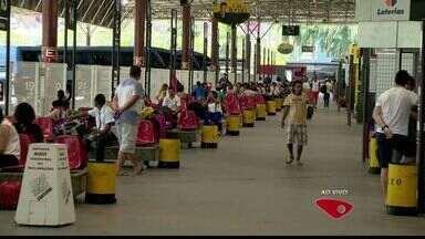 Capixabas se preparam para viajar em feriado, no ES - No dia 12 é comemorado o dia das crianças e o dia da Padroeira do Brasil, Nossa Senhora de Aparecida.
