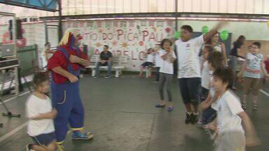 Pelo quinto ano, crianças se divertiram em mais uma festa da APAE - Música, danças e diversas brincadeiras agitaram a noite das crianças matriculadas no instituto.