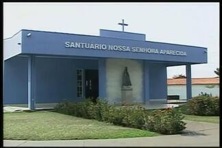Ituiutaba finaliza preparativos para celebrações do dia de Nossa Senhora da Aparecida - Fiéis de toda região são esperados no Santuário.