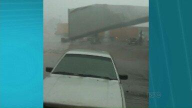 Telespectadores mandam vídeos do temporal no noroeste - A chuva mais forte atinge várias cidades da região desde a noite de quinta-feira (08).
