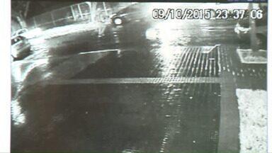 Em dois dias foram registrados 4 roubos de veículos em Maringá - Ontem duas mulheres foram feitas reféns por bandidos que roubaram o carro que elas estavam