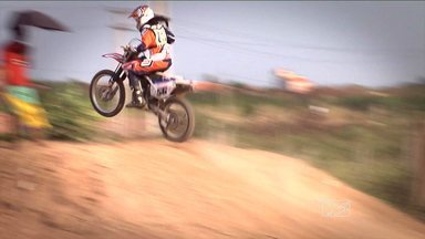 Veja como foi o Torneio de Motocross em Igarapé do Meio - Veja como foi o Torneio de Motocross em Igarapé do Meio