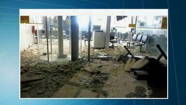 Grupo explode banco e faz reféns durante a fuga em Araripe, no Ceará - Mesmo com explosão, cofres não foram arrombados.