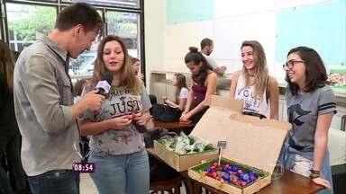 Jovens aproveitam a faculdade para empreender e ganhar dinheiro extra - O repórter Felipe Suhre conversa com os estudantes que tomaram inciativa e estão fazendo sucesso
