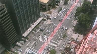Avenida Paulista vai fechar para carros aos domingos - Quem mora na Avenida vai ter a ajuda da CET para entrar e sair com o carro de casa.