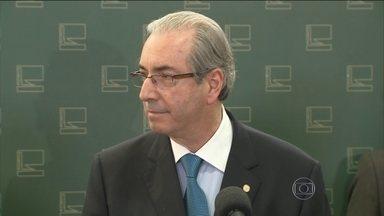 Supremo determina que dinheiro de Cunha na Suíça volte para o Brasil - Cerca de R$ 9 milhões vão ficar protegidos até o fim do processo.Bloqueio é para que dinheiro seja usados para ressarcir cofres públicos.