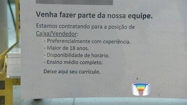 Shopping de Taubaté, Pinda e Guará têm 500 vagas para temporários - Lojas contratam profissionais para reforçar as equipes no fim de ano
