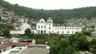 Começa reforma do Convento de São Bernardino de Sena, em Angra, RJ - Trabalho começou após muitos pedidos e reivindicações da comunidade.