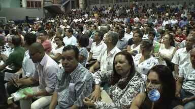 Bancários fazem assembleia em Salvador para decidir rumos da greve - A paralisação já dura três semanas. A expectativa é que os representantes da categoria aceitem a nova propostas da Federação Nacional dos Bancos.