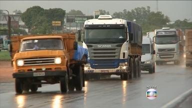 Balanço parcial de Finados soma 19 acidentes nas estradas do país - Foram 17 feridos e uma morte até este domingo (1º), segundo dados da Polícia Rodoviária Federal.