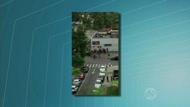 Projeto de lei quer proibir que carros circulem com som alto em Volta Redonda, RJ - Quem mora na Vila Santa Cecília, por exemplo, tem reclamado muito do problema, mas há quem considere a medida rígida demais.