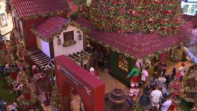 Shopping Salvador inaugura decoração de Natal - Na quarta-feira (4), quem esteve no centro comercial conferiu o tema escolhido para esse ano.