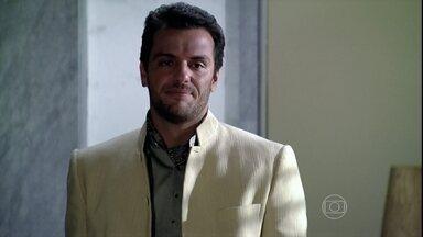 Raj faz uma surpresa para Maya - Ele aparece em Dubai e surpreende a esposa