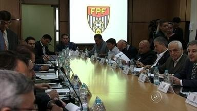 FPF sorteia os grupos do Paulistão 2016 - Os grupos do Paulistão 2016 foram definidos pela FPF durante sorteio realizada nesta quinta-feira (5), em São Paulo.
