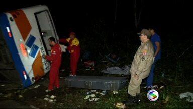 Acidente de ônibus que matou 15 pessoas em Paraty, RJ, completa dois meses - Investigações e processo de indenização estão em curso; Polícia Civil aguarda motorista e outras vítimas para serem ouvidos.
