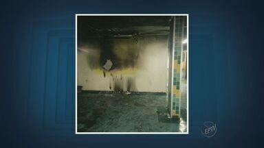 Centro de Ortopedia pega fogo em Limeira, SP - Dois médicos estavam no local na hora do acidente na madrugada desta sexta-feira (6).