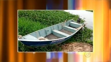 Mulher é encontrada morta perto de um bote à deriva nas águas do Rio Tietê em Botucatu - Uma mulher foi encontrada morta, perto de um bote à deriva, nas águas do Rio Tietê, em Botucatu (SP). Outras duas pessoas que estariam no barco estão desaparecidas.