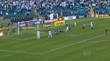 Atlético-MG vence e adia comemoração do título do Brasileirão pelo Corinthians - No sábado (7) o Timão derrotou o Coritiba e, para ser campeão já neste domingo (8), tinha que torcer para que o Galo não vencesse o Figueirense. O Atlético-MG venceu por 1 a 0. Confira os gols da rodada.