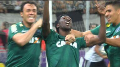 Coritiba foi valente, mas não consegue derrotar o Corinthians - Gol no finalzinho acabou com a esperança de pontos e perdeu para o líder do campeonato
