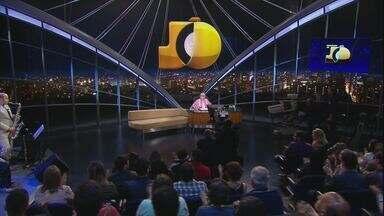 Programa do Jô - Programa de Segunda-feira, 09/11/2015, na íntegra - O apresentador recebe famosos e anônimos em entrevistas e musicais nas noites da Globo.