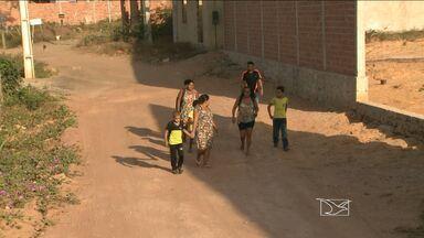 Em São Luís, moradores do Batatã reclamam da falta de transporte escolar - Segundo eles, a empresa de transporte deixou de prestar o serviço por falta de pagamento.