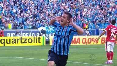 Ramiro volta ao Grêmio após sete meses - Volante estava sem jogar desde o gauchão, em abril.