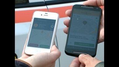 Chamar táxi pode ser mais fácil por aplicativo de celular - Em Santa Maria, a Associação dos Taxistas lançou um aplicativo para prestar o serviço.