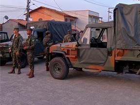 Militares ficam feridos durante treinamento de paraquedismo em São Pedro, no RJ - Procedimento mal sucedido deixou 19 militares feridos.