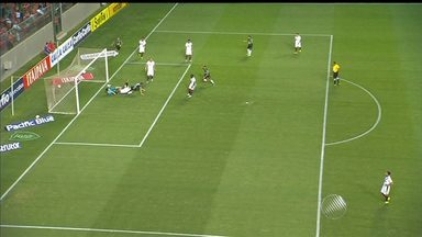 Vitória tem 1° tempo difícil contra o América-MG - O Rubro-Negro joga fora de casa e teve um jogador expulso e ainda tomou um gol. Veja um pouco.