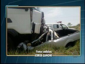 Acidente entre carro e carreta termina com a morte de uma pessoa - Batida foi na Rodovia General Euclides Figueiredo, em Teodoro Sampaio.