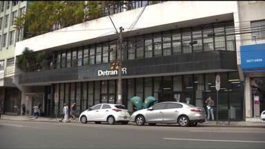 Unidade de atendimento do Detran, no centro de Curitiba, irá fechar no ano que vem - Segundo o Detran, o contrato de aluguel do imóvel vence em em dezembro e não será renovado.