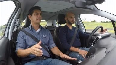 Driver Training: o piloto César Urnhani aborda temas como redução e retomada - Driver Training: o piloto César Urnhani aborda temas como redução e retomada.