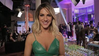 Confira os bastidores da participação de Giovanna Ewbank e Dudu Bertholini em 'Totalmente' - Dupla comenta a experiência de atuar em cena