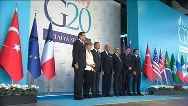 Líderes do G-20 prometem mais cooperação contra o terrorismo - Grande obstáculo é o abismo entre as grandes potências militares do mundo. Reunião acontece em Antalya, na Turquia.