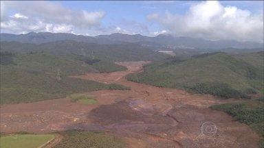 Fantástico entra na barragem que desabou em Mariana e matou 12 - Equipe investiga por que sistema de alarme não funcionou a tempo. Rompimento é considerado o maior desastre ambiental do Brasil.
