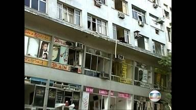 Moradores e empresários reclamam do atraso na vistoria em prédio que sofreu com explosão - Moradores e empresários reclamam do atraso na vistoria em prédio que sofreu com explosão