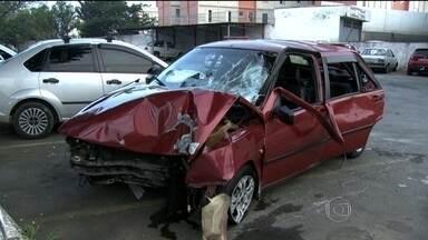 Motorista atropela três pessoas e menino morre na hora em São Paulo - Outro menino e um adulto estão internados. Testemunhas afirmaram que o motorista estava bêbado.
