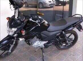 Homem é preso suspeito de usar moto roubada para fazer um arrastão em Palmas - Homem é preso suspeito de usar moto roubada para fazer um arrastão em Palmas