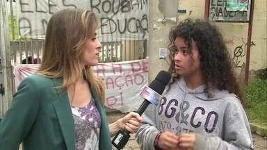 Alunos contam como surgiu protesto contra reestruturação do sistema de educação em SP - Andrea Ramal comenta o movimento e diz que é necessário que o governo tenha diálogo com as comunidades para implementar as mudanças