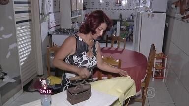 Advogada usa ferro à brasa para economizar energia - Cissa Guimarães explica como faz para que suas roupas fiquem lisinhas sem ter que passar a ferro