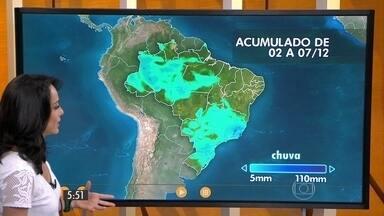 Confira como fica o tempo nesta quarta-feira (2) em todo o Brasil - A chuva continua porque as condições do tempo não mudaram. Tem muito calor e umidade na atmosfera e com isso as áreas de instabilidade vão provocar temporais com chuva volumosa em parte do Sudeste e Centro-Oeste, de novo.