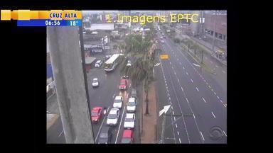 Acompanhe a movimentação do trânsito na manhã desta quarta-feira (2) em Porto Alegre - Assista ao vídeo.