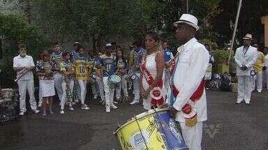 No dia nacional do samba, foi dia de acordar cedo para mais uma Alvorada - É uma tradição que se mantém em Santos há mais de um século.