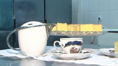 Aprenda a fazer um bolo de fubá com canela - Receita é prática e rápida; confira.