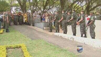 Justiça aceita denúncia contra traficantes após assassinato de militar de Vinhedo, SP - A Justiça do Rio de Janeiro aceitou a denuncia do assassinado do cabo do exercito Michel Augusto Mikami.